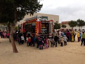 Visita del cuerpo de Bomberos para la realización del simulacro de evacuación e incendio que se realiza año tras año en el centro.