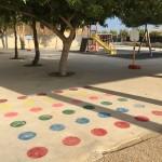 Juegos infantiles en la zona de Recreo pintados en el nuevo suelo.