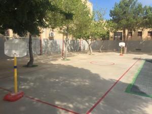 Pista de Mini-Basket en el patio de Infantil terminada este curso.