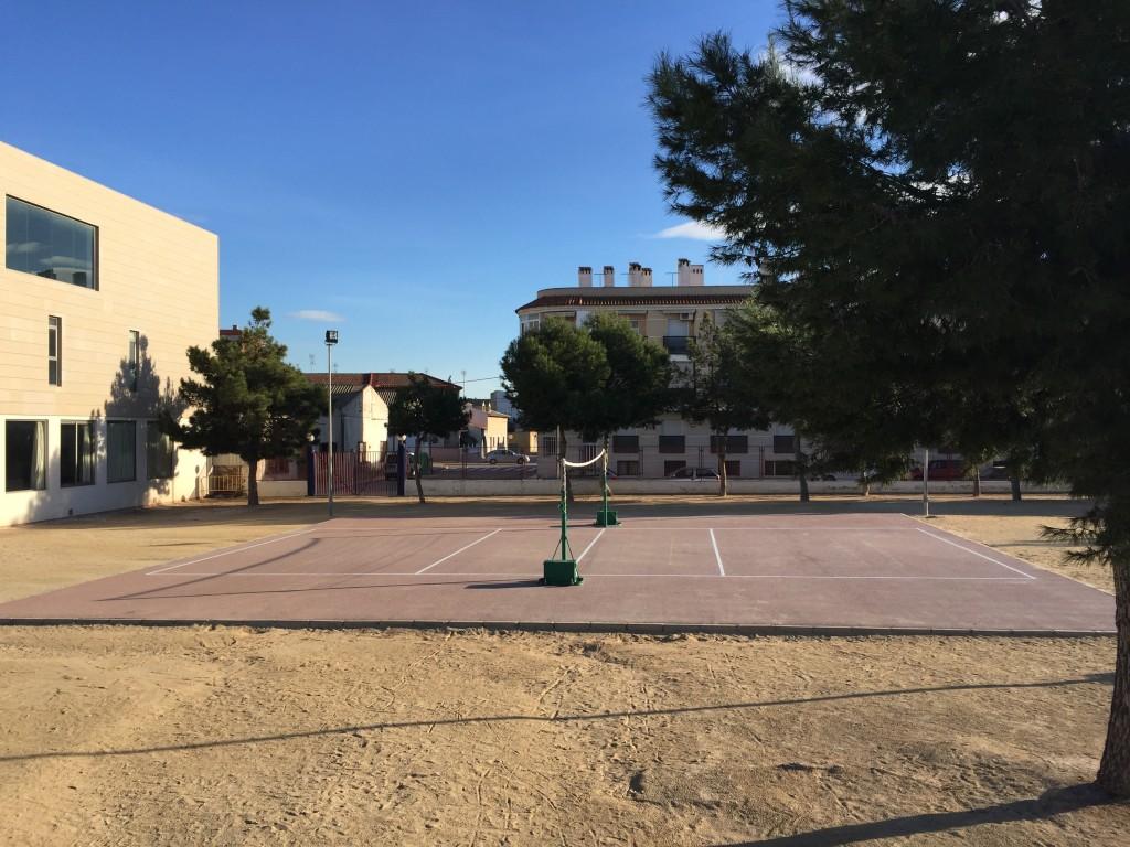 Nueva pista de Voleibol en Primaria.